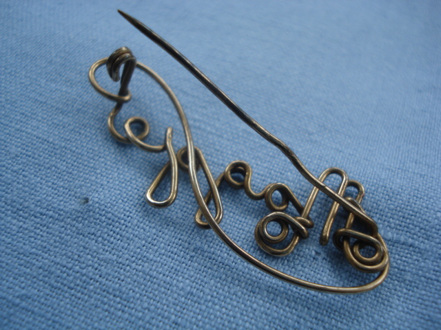 Maggie name pin in Rolled Gold Wire - 1920s to 1940s SOLD